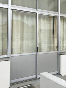息子が割った教室のドアのガラス